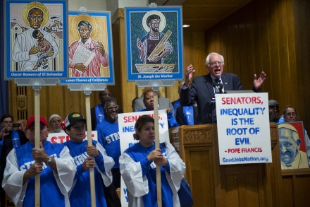 Sanders addressed the striking workers. (Tom Williams/CQ Roll Call)