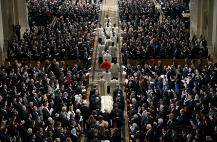 WASHINGTON, DC - FEBRUARY 20:  The casket is lead in during the funeral Mass for Associate Justice Antonin Scalia at the Basilica of the National Shrine of the Immaculate Conception February 20, 2016 in Washington, DC.  Scalia, who died February 13 while on a hunting trip in Texas, layed in repose in the Great Hall of the Supreme Court on Friday and his funeral service will be at the basillica today.   (Photo by  Doug Mills-Pool/Getty Images)