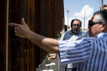 AZPOL14 084 080814 445x296 The Complexity of the U.S. Border Crisis, in 7 Photos