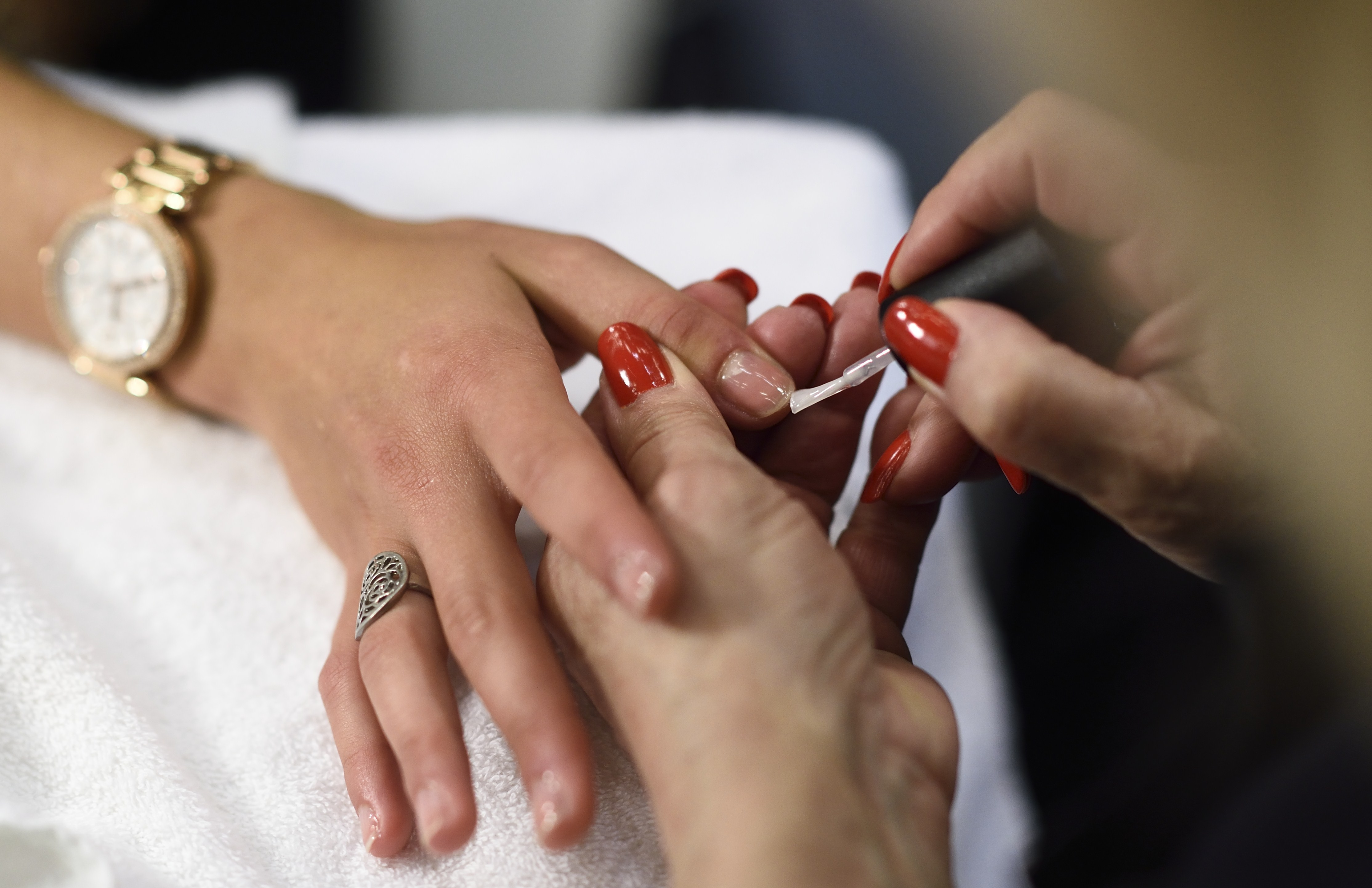 Report Finds Nyc Nail Salon Workers Underpaid Exploited
