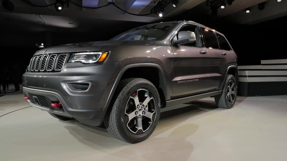 medium resolution of 2017 jeep grand cherokee trailhawk 2016 new york auto show beauty roll
