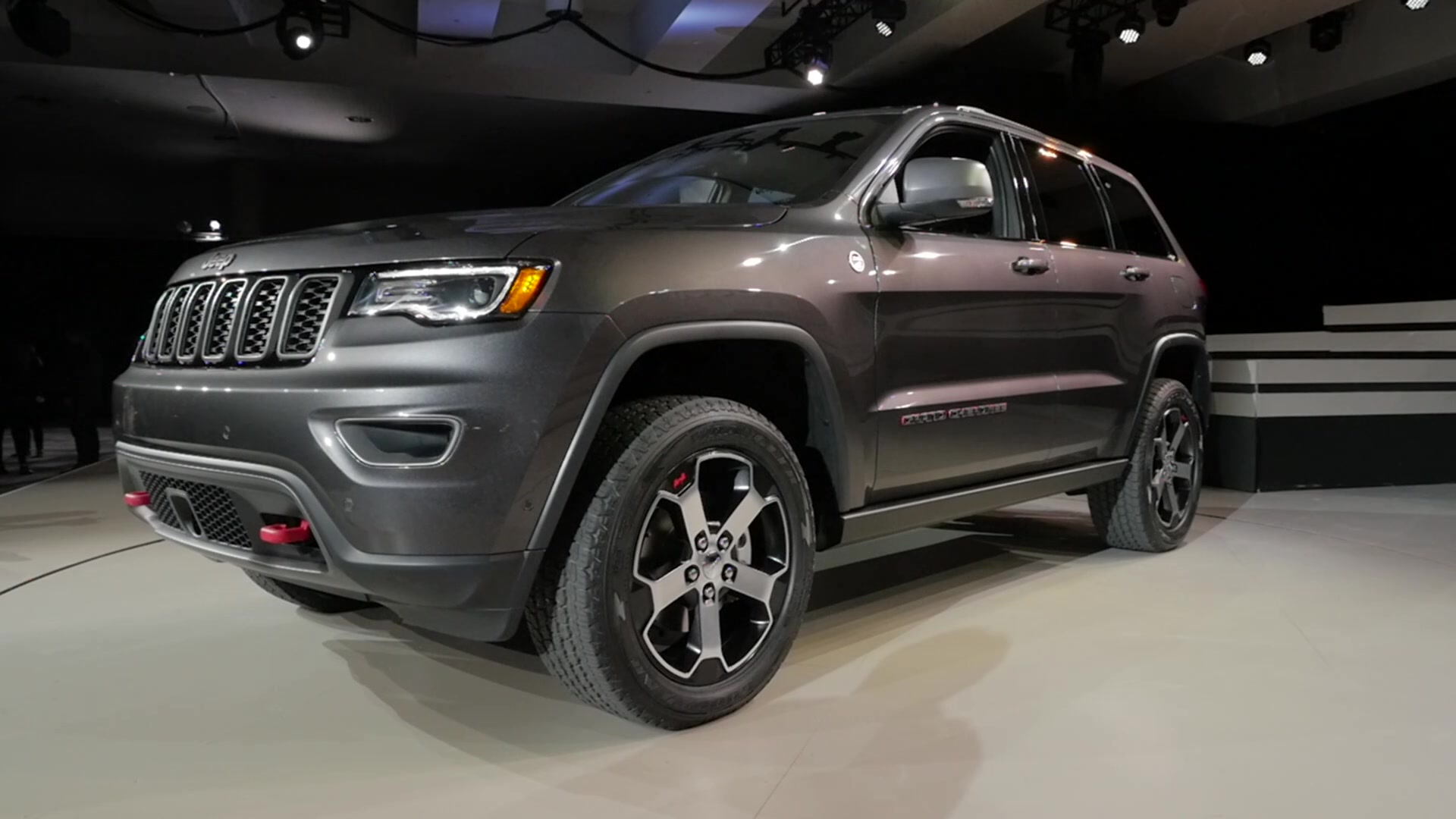 hight resolution of 2017 jeep grand cherokee trailhawk 2016 new york auto show beauty roll