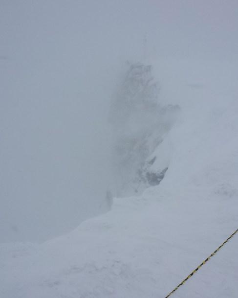 前方是山崖