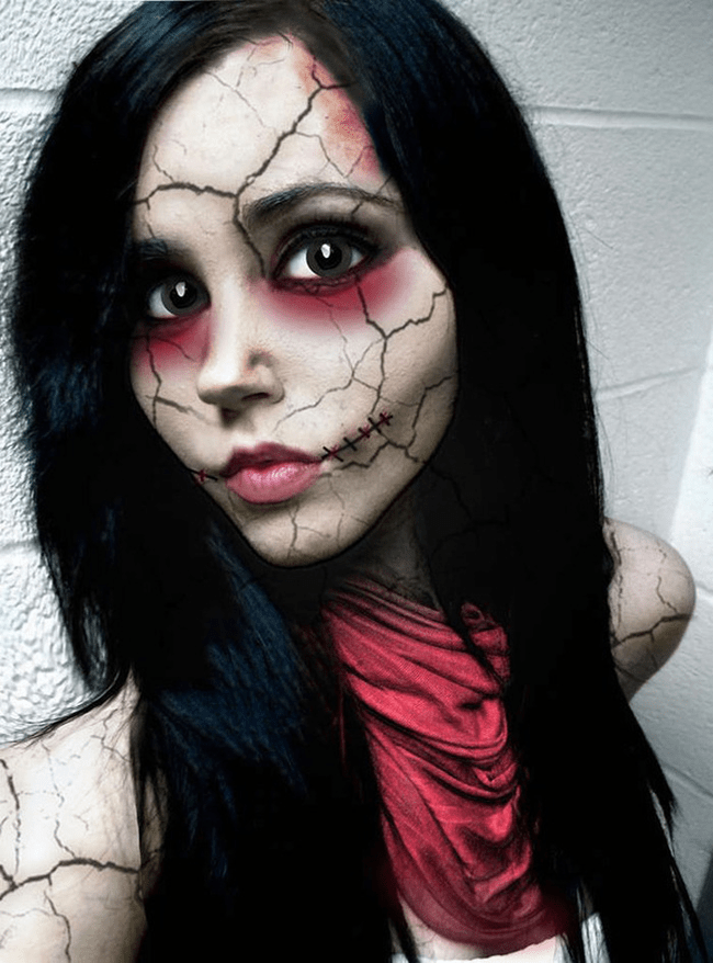 You wearing a broken doll make-up to Halloween will leave people speechless for the artistry.