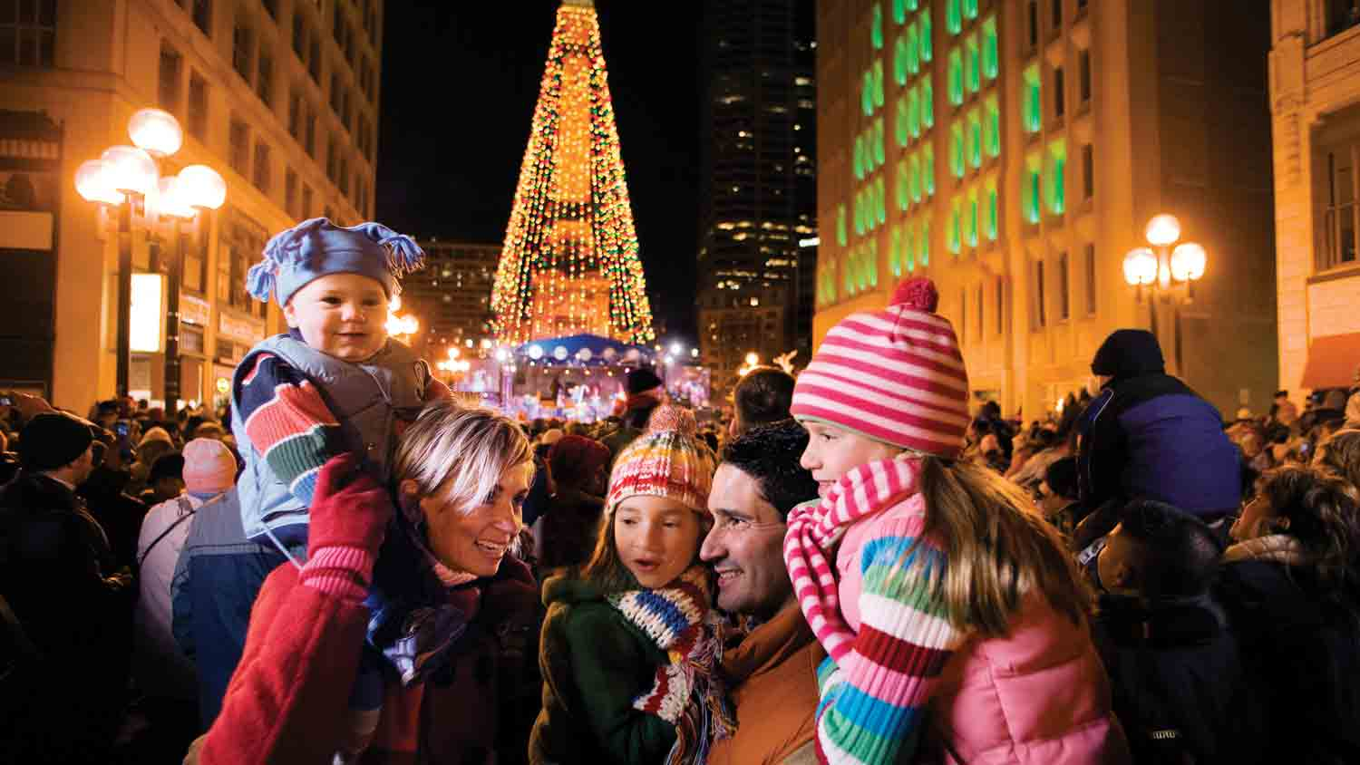 Indianapolis holiday attractions living in indy for Christmas tree lighting indianapolis 2015