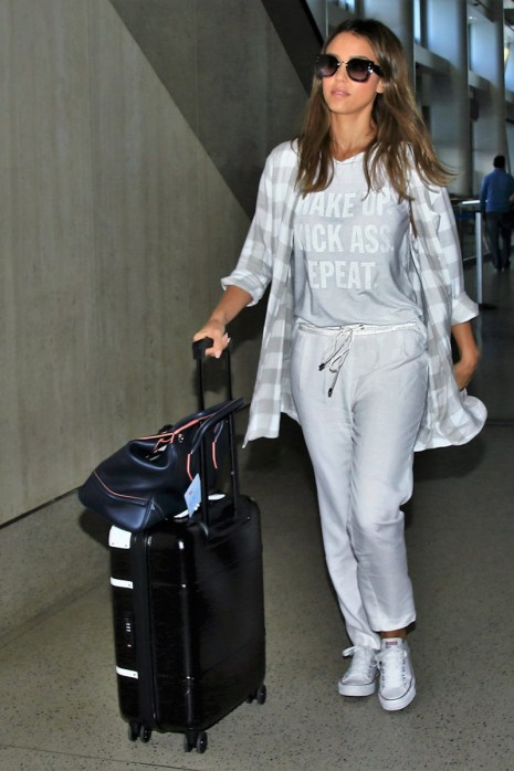 Check out these cute airport outfit ideas!