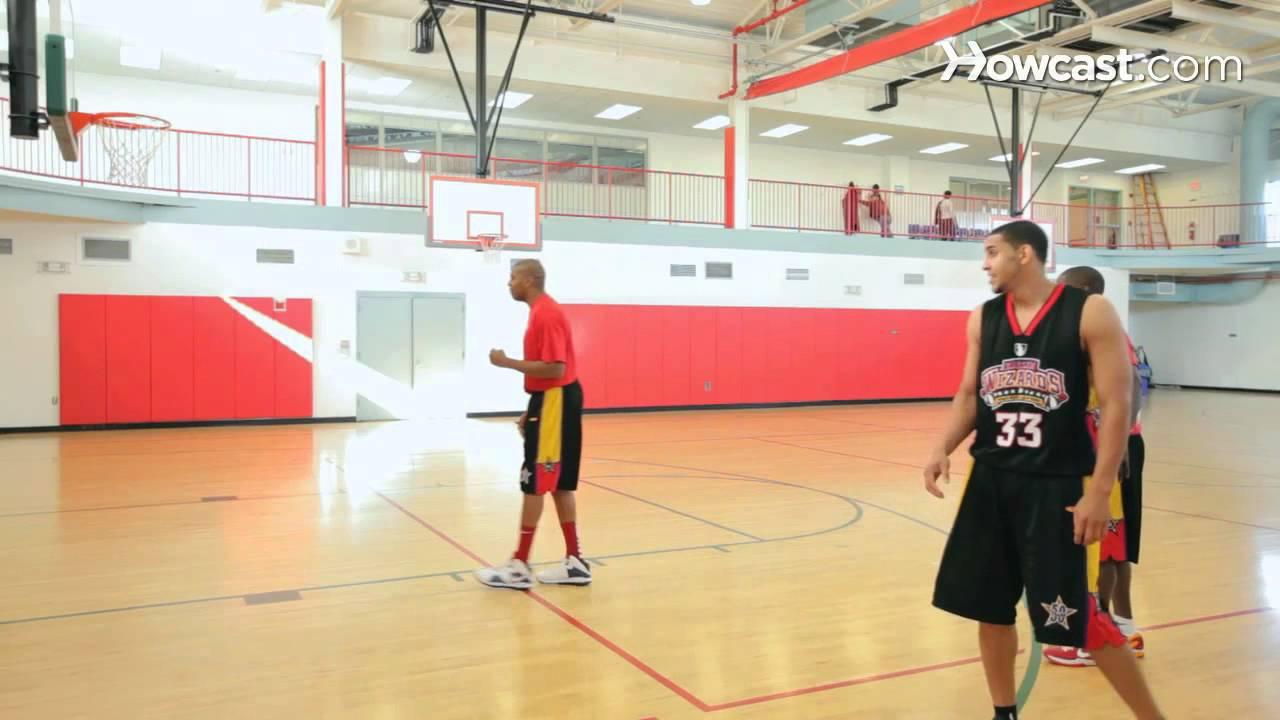 籃球基本動作 (How to Do Post Moves   Basketball) - VoiceTube《看影片學英語》