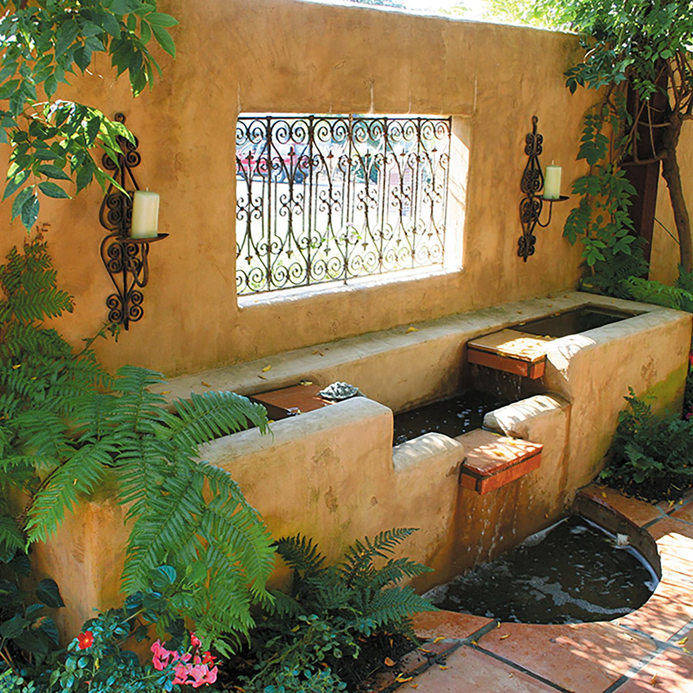 10 backyard privacy ideas to block your