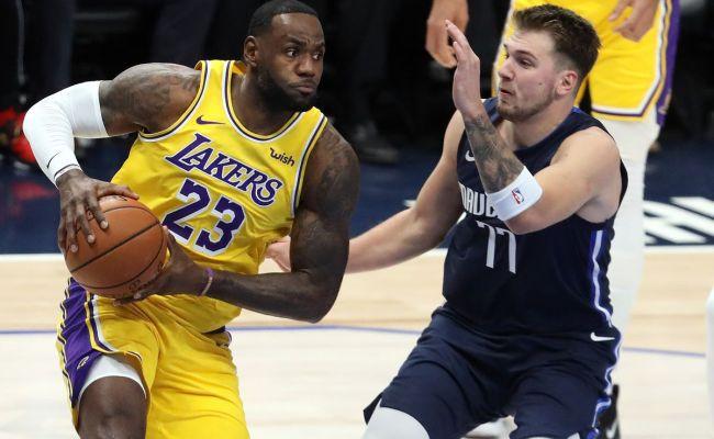 Flipboard Lebron S Triple Double Leads Lakers Past Mavs