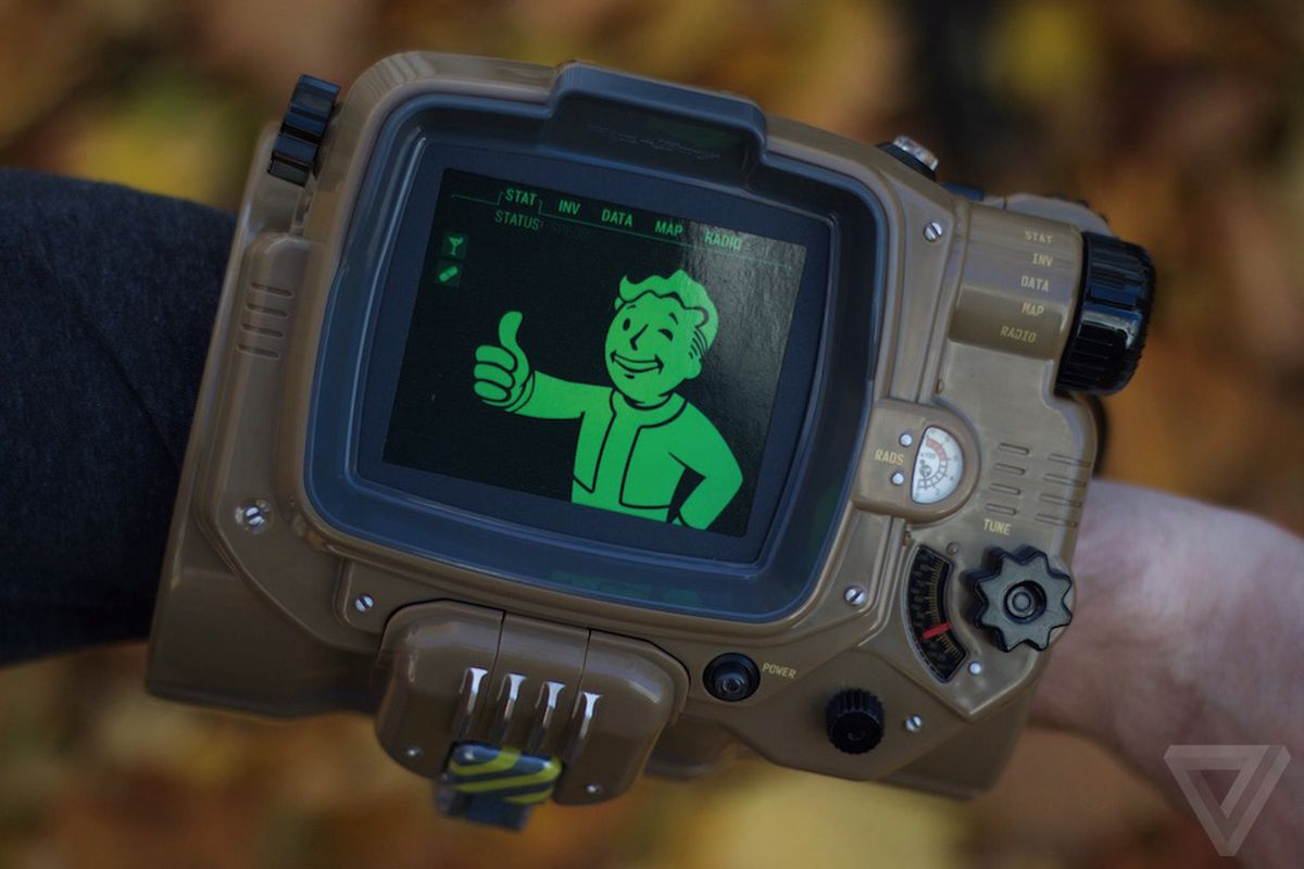 Iphone X Verge Wallpaper Bethesda Is Bringing Back The Fallout 4 Pip Boy For A