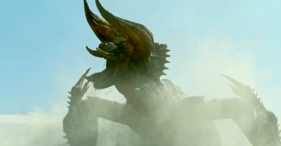 Monster Hunter trailer for movie teaser: Milla Jovovich vs. Black Diablos Boss Fight