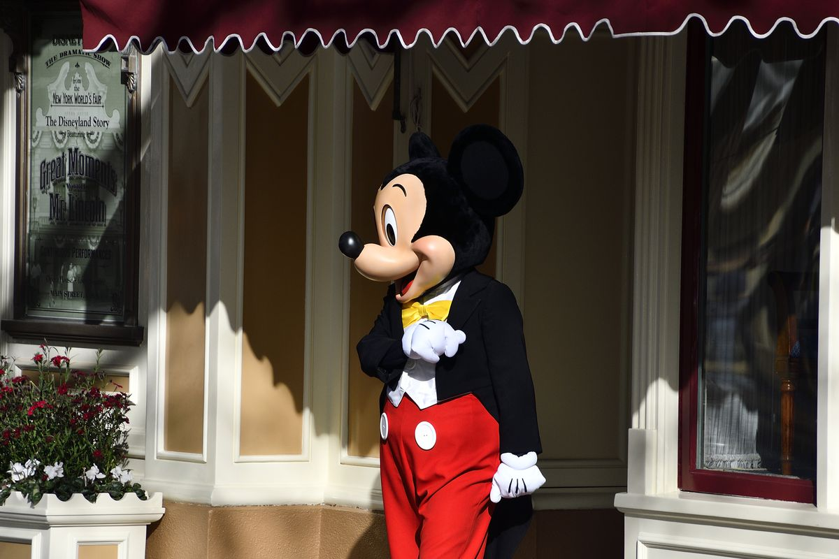 Disneyland and Disney World will close for the month over ...