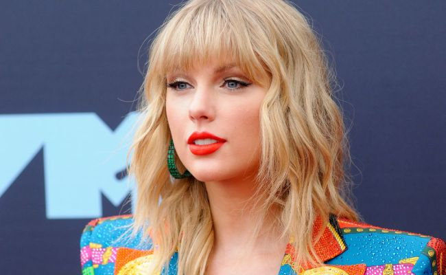 Taylor Swift Provoked Fans To Go After Scooter Braun And
