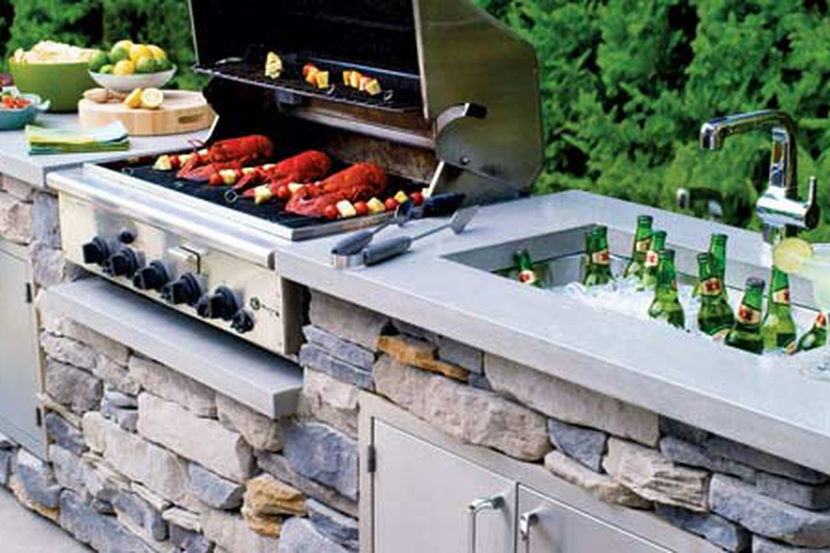 10 smart ideas for outdoor kitchens and