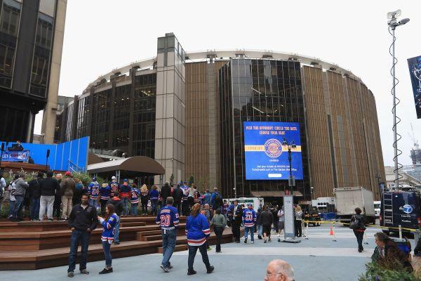 York Islanders . Rangers Season Opener