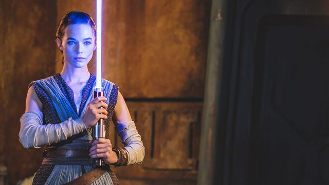 T7Z7BYGG5VEJPP2N3DLY2LOBXQ.0 Disney unveils footage of its 'real' lightsaber | Polygon