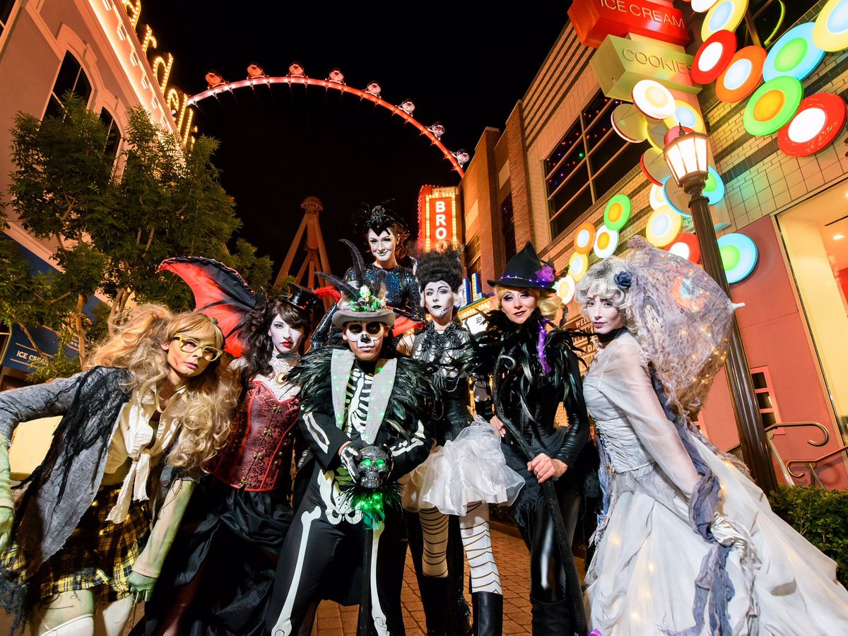 Here are 10 unmissable events, whether you are visiting las vegas in november or in the heat of the summer. Halloween 2018 Las Vegas Restaurants Bars Eater Vegas