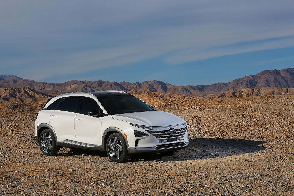 Hyundais Hydrogen Powered Nexo Can Drive Further And