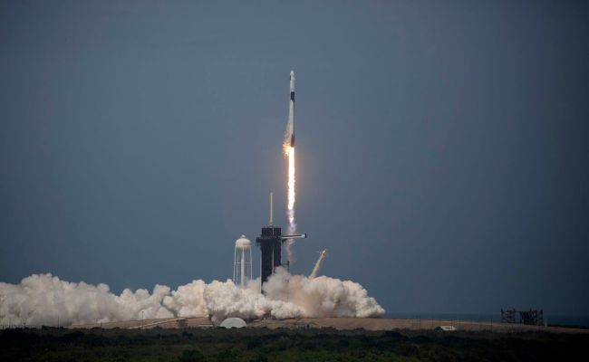 Spacex Launch Succeeds Sending Humans On First Privately