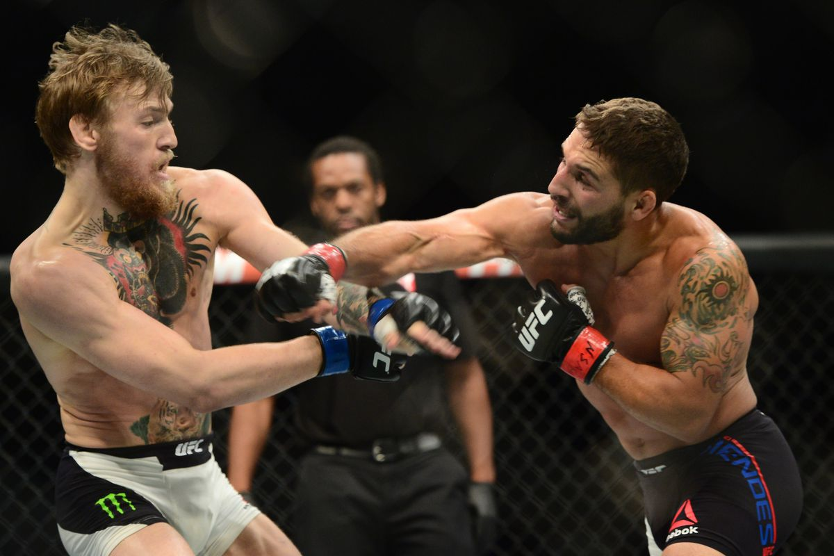 Photo Chad Mendes Suffered Broken Thumb In First Round