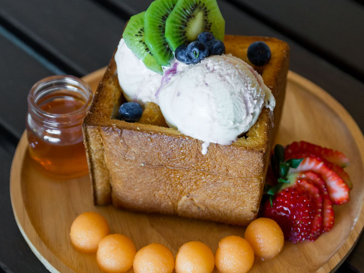 A Guide to Honey Toast in Las Vegas  Eater Vegas