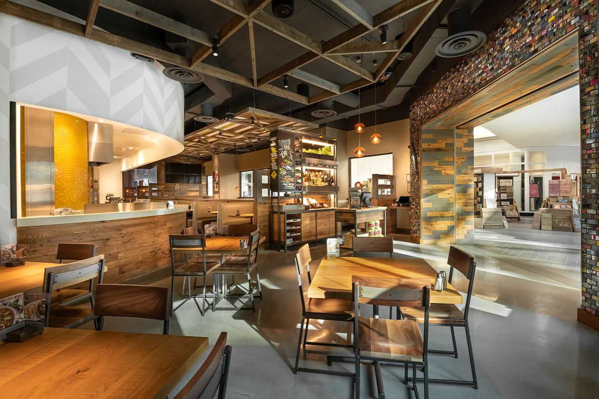 California Pizza Kitchen Opens in Franklin  Eater Nashville