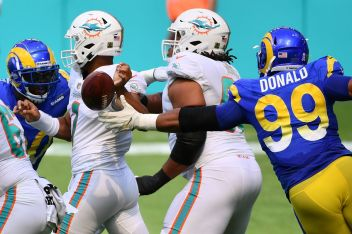 Rams vs. Dolphins: 5 Tua Tagovailoa moments against the Rams defense - Turf  Show Times
