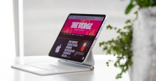 Apple's next iPad Pro has wireless charging and a glass back: report