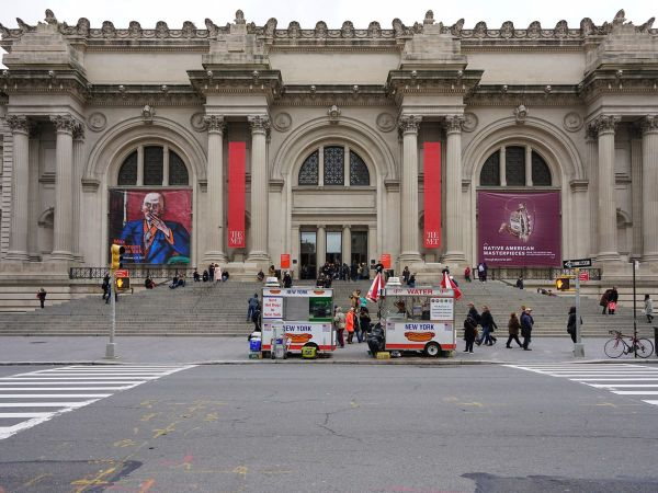 Met Moma And Nyc Museums Poised Expansion