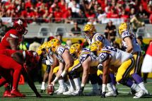 Vegas Sets 2017 Win Totals College Football - And