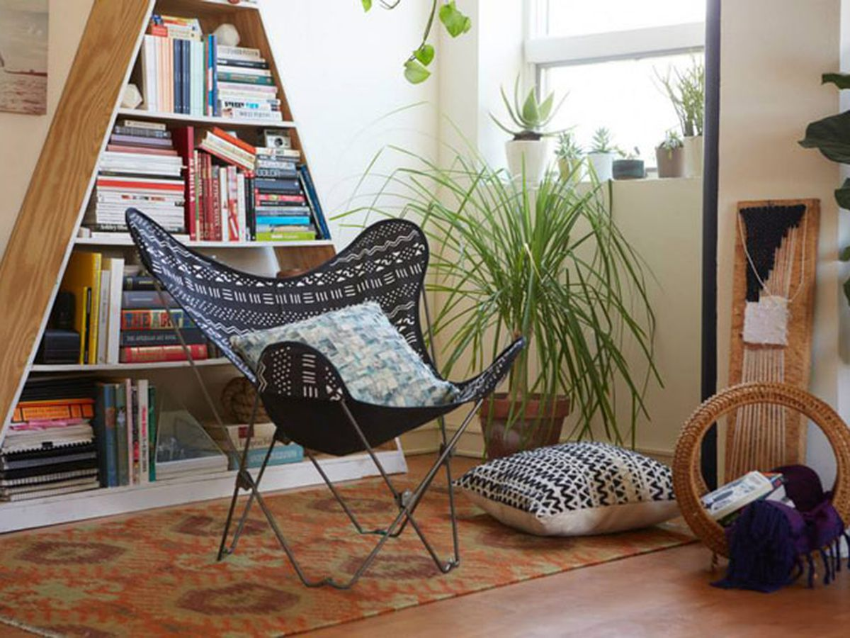 Dorm Room Chairs La 39s Best Shops For Affordable Dorm Room Furniture And Decor