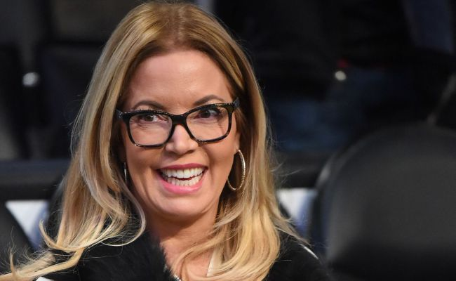 Jeanie Buss Lawyer Says The Fight Over The Lakers May
