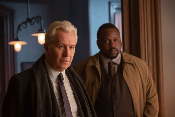 The Woman in the Window: Gary Oldman and Brian Tyree Henry as detectives.