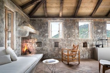 10 Stunning Homes That Expertly Blend Historic and Modern Curbed