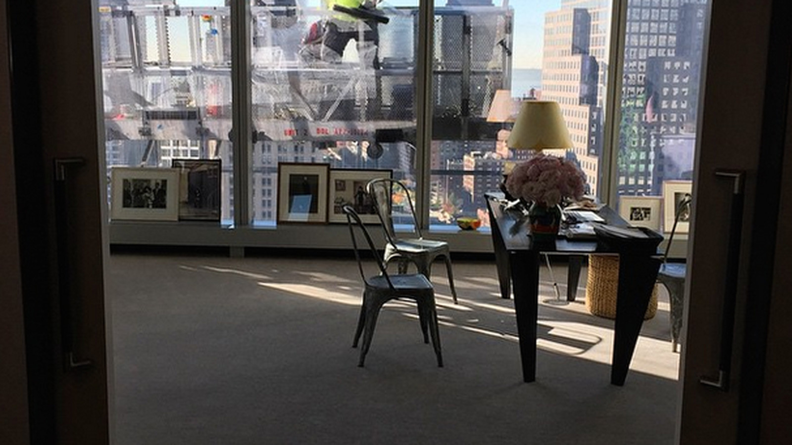 Anna Wintours New Office Looks Vaguely Terrifying  Racked NY