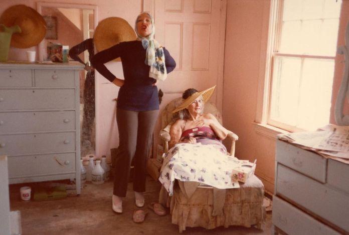 Big Edie and Little Edie in a Grey Gardens bedroom