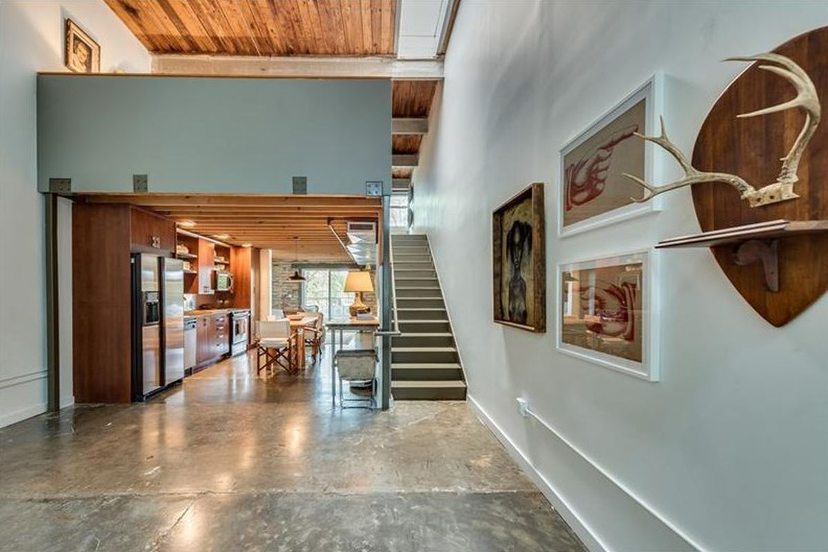 Immaculate Edgewood Atlanta Loft Boasts 20 Foot Ceilings
