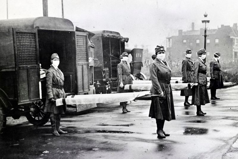 Red Cross workers on duty in St. Louis, Missouri, during the Spanish influenza epidemic, 1918.