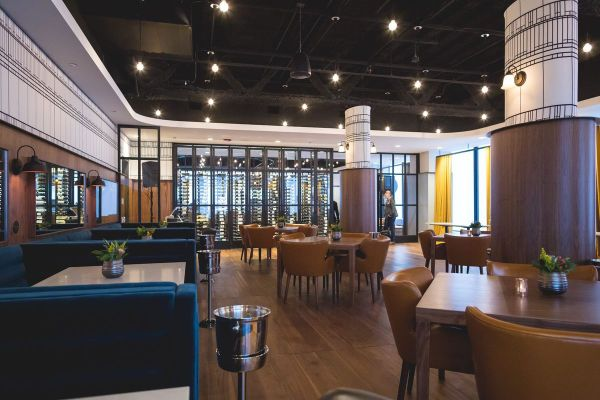 Willis Tower Club Debuts 66th-floor Restaurant And