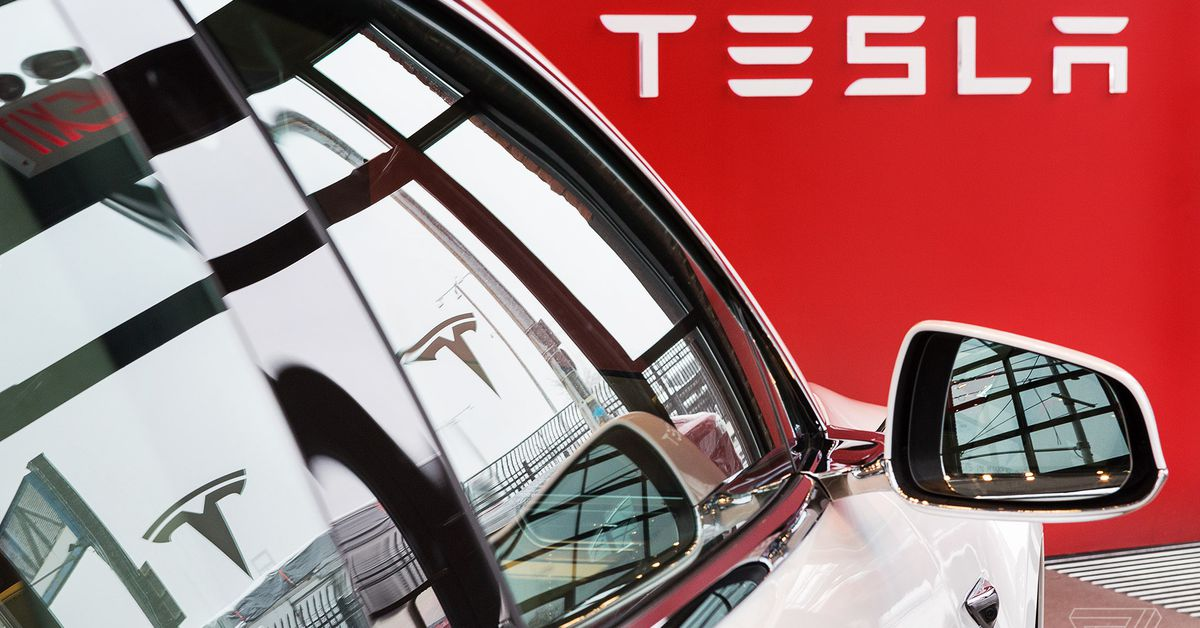 Tesla recalls 9,500 Model Xs and Ys over weak adhesive and loose bolts