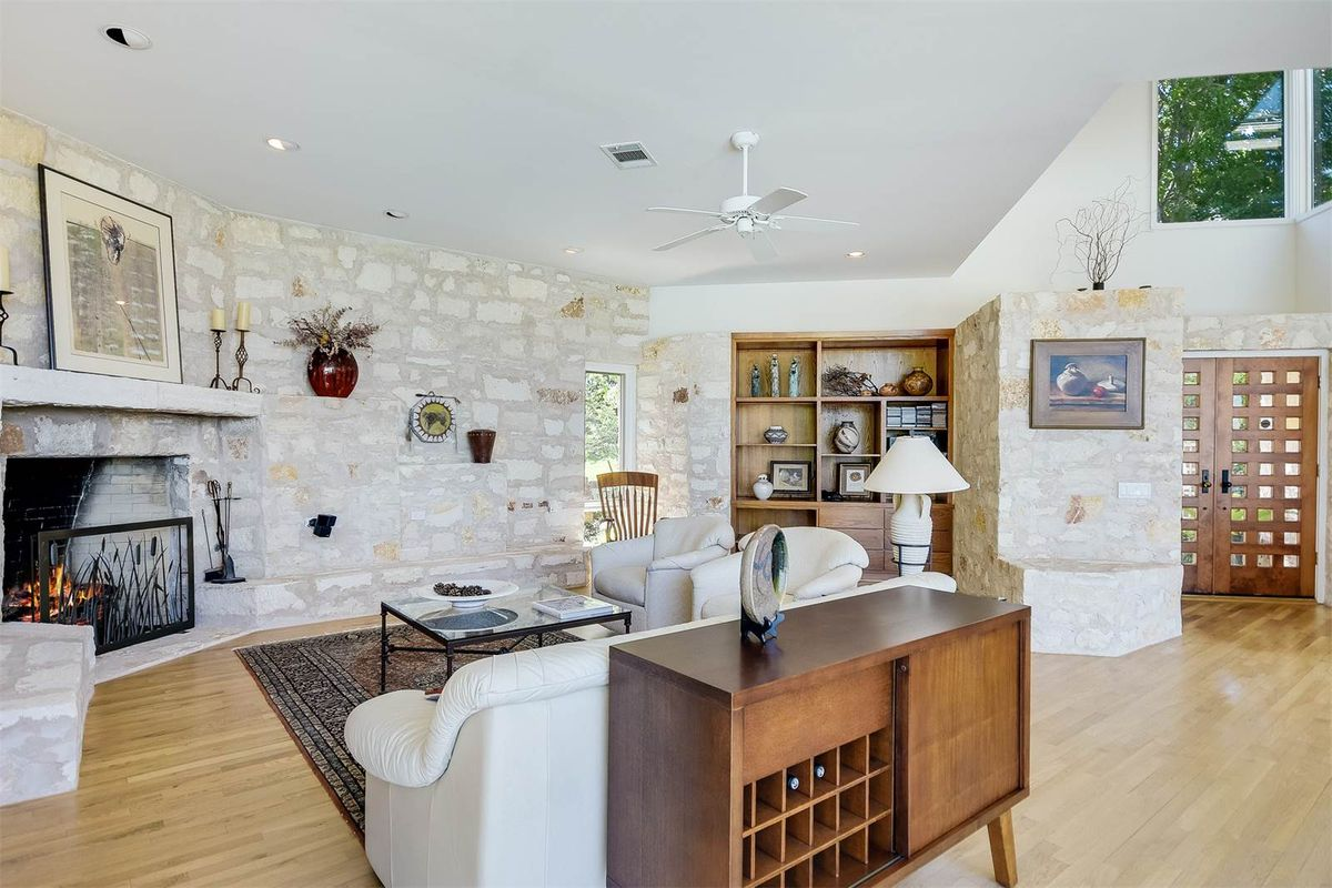 Stylish Lake Travis Contemporary Asks 12M Curbed Austin