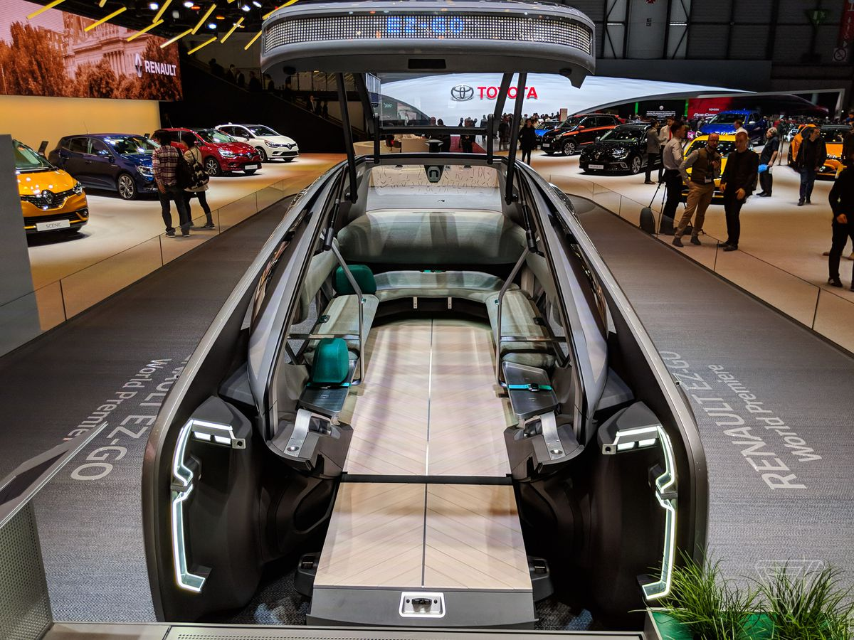 hight resolution of lo tells me that the ez go is deliberately designed to be as distant as possible from the current trends in automotive design though renault itself hopes