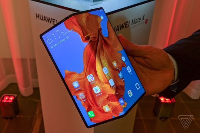 huawei_matex_mwc19_vsavov19.0 Huawei teases upgraded Mate X foldable with better hinge and tougher screen | The Verge