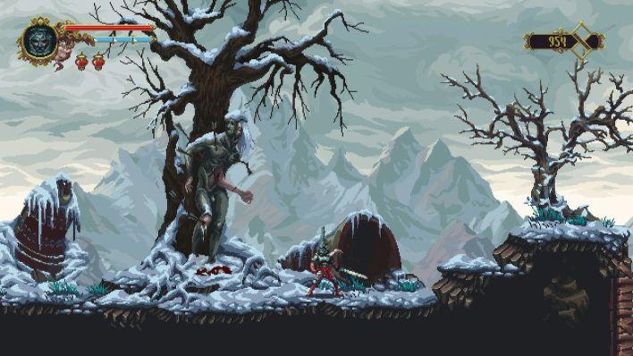 Un homme pris au piège dans un grand corps de fer, coincé dans un arbre dans la neige
