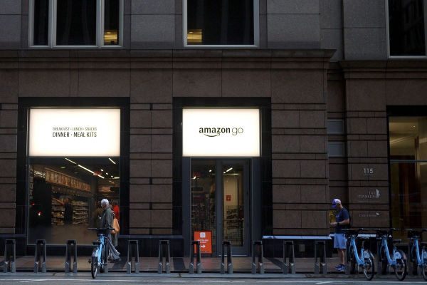 Stores Opening In Downtown Chicago