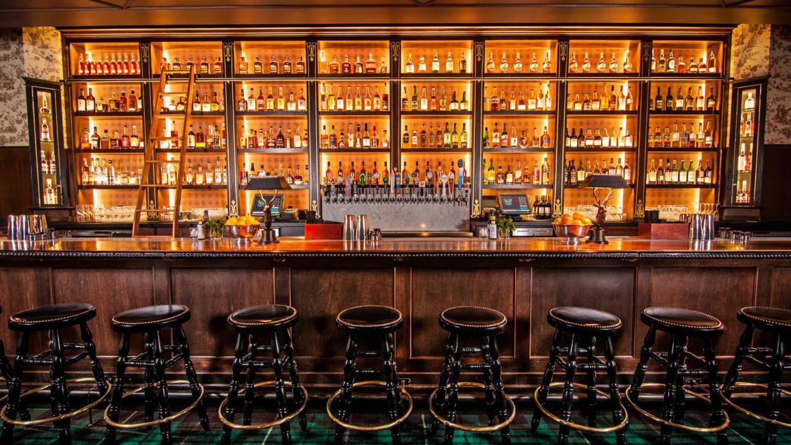 LA Whiskey Bar Seven Grand Storms Into Austin  Eater Austin