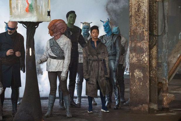 Sonequa as Michael Burnham is in the group of aliens in Martin-Green Star Trek: Discovery