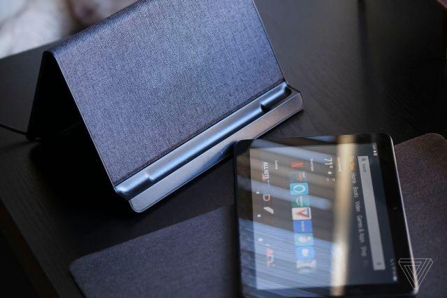 Das kabellose Ladegerät kostet allein 40 US-Dollar oder 30 US-Dollar im Paket. Das Tablet verwendet USB-C zum Aufladen, was schneller ist.