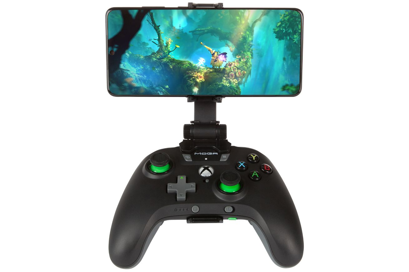 PowerA's xCloud-ready controllers can keep your phone charged while you game