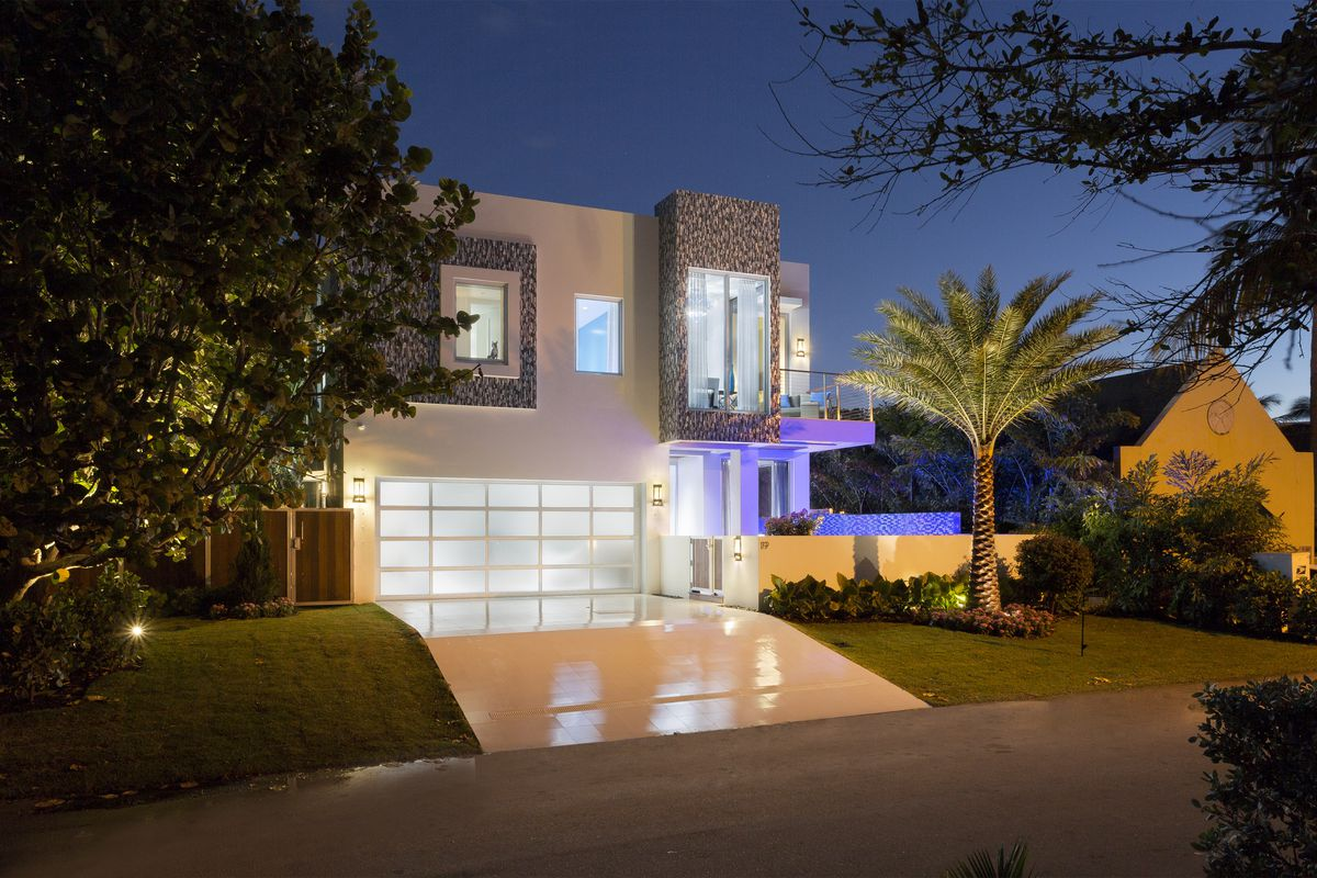Tour Frank Mckinney S 4m Florida Micro Mansion Curbed